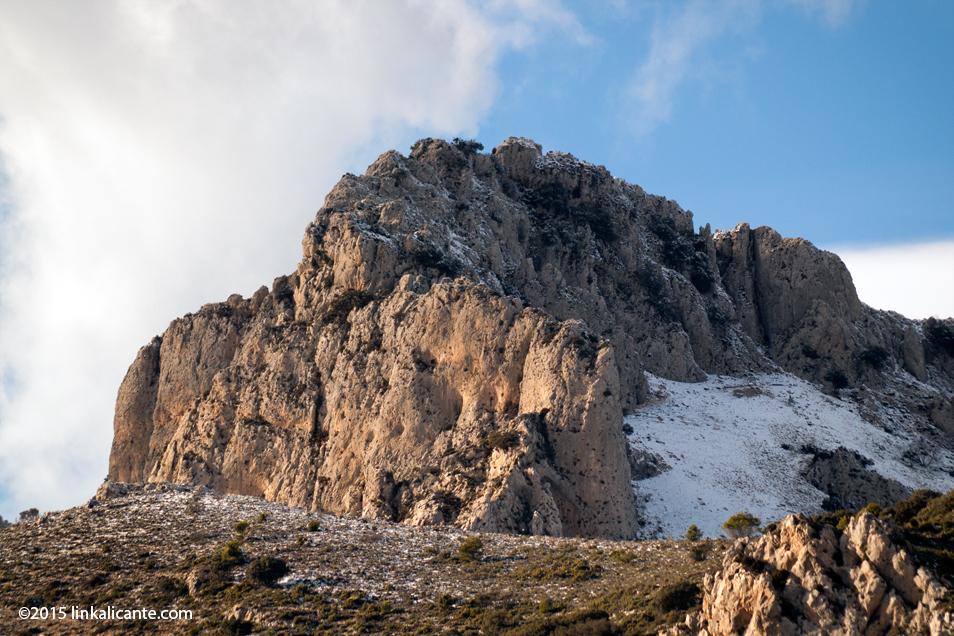 Pla de la Casa con nieve - senderismo Alicante