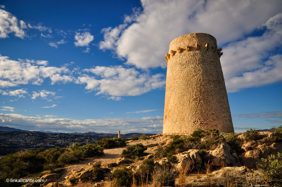 La torre vigía del Cap d'Or de Moraira