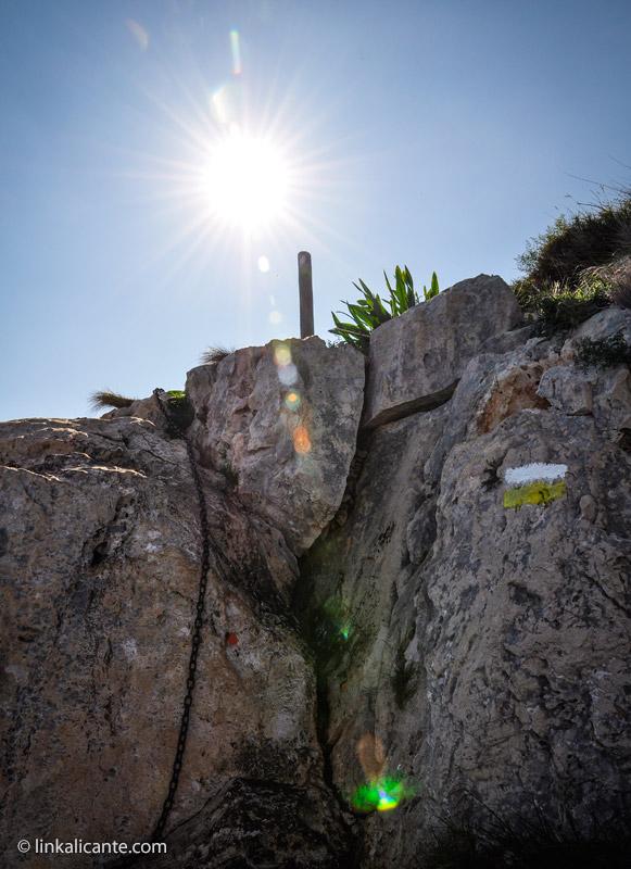 Trepada equipada con cadena - Castell de la Granadella