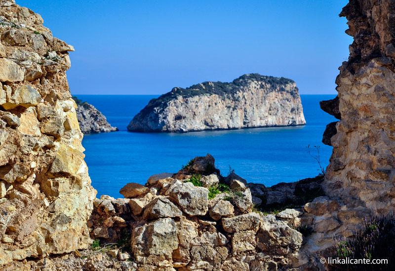 Isla del Descubridor desde el Castell de la Granadella