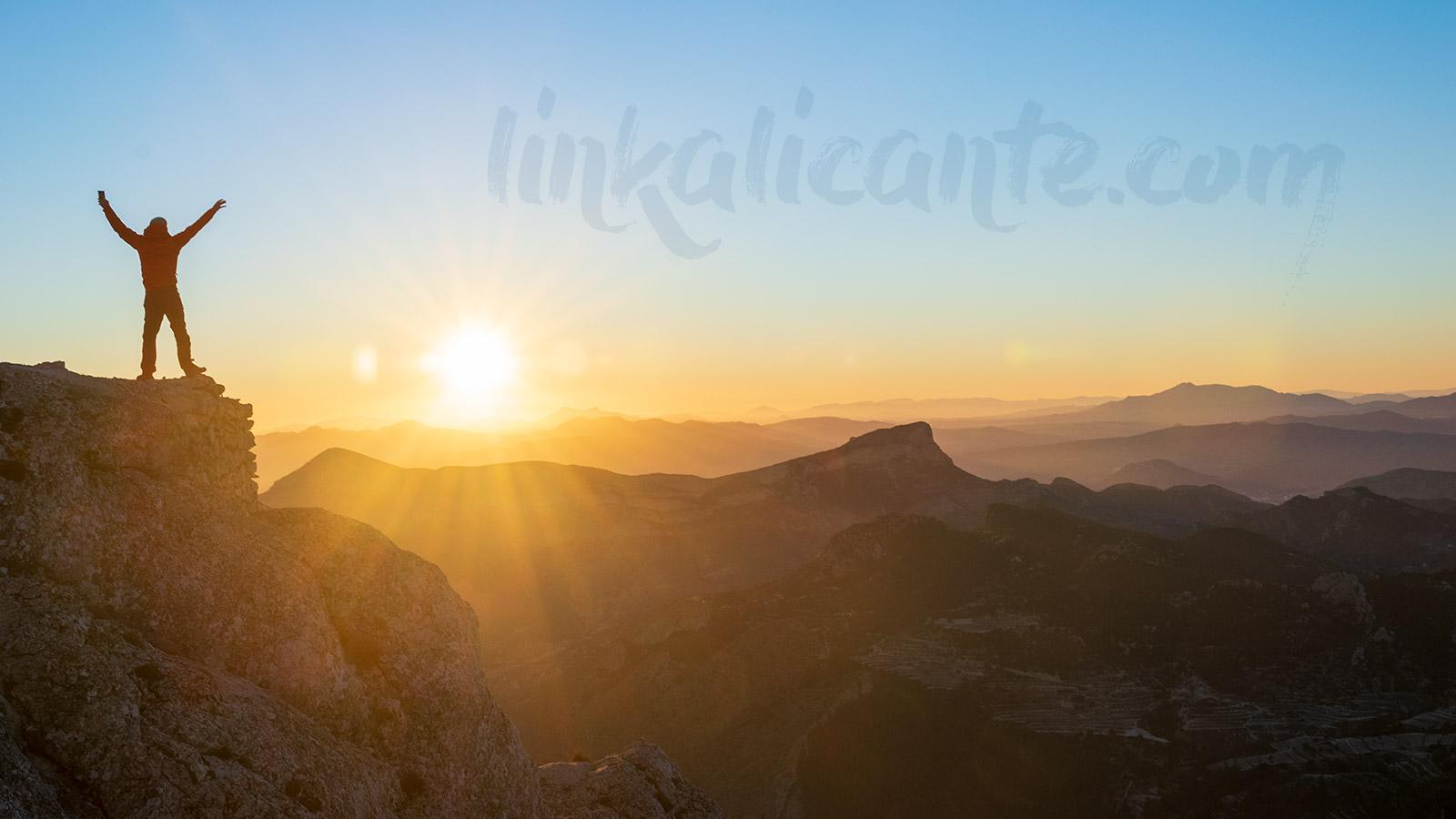 Propósitos 2019 LinkAlicante, atardecer en el Maigmó