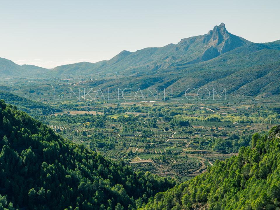 El Benicadell desde la Vall de Perputxent