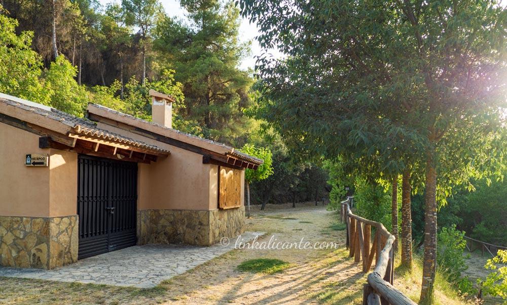 Zona acampada Molí l'Ombria, Banyeres de Mariola