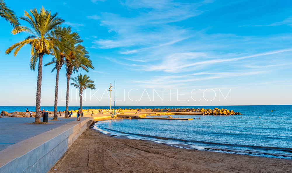 Playa piscinas naturales Torrevieja