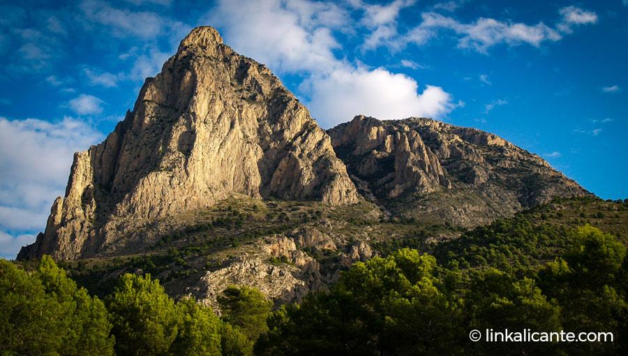 Puig Campana desde la Font del Molí de Finestrat