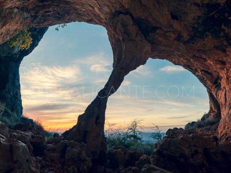 Cova de Bolumini, Serra de Mariola