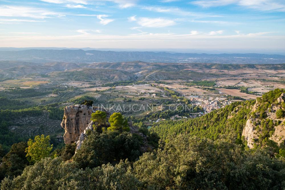 Vistas desde la Cova del Bolumini