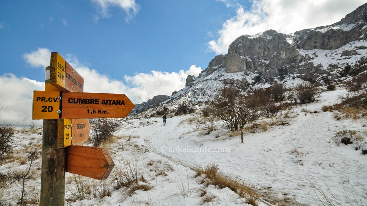 Ruta Aitana con nieve desde Font de Partegat por Passet de la Rabosa