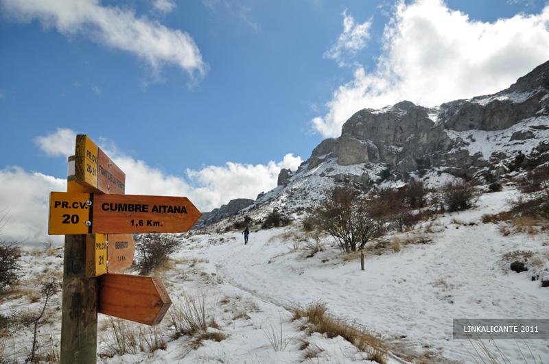 Subida a Aitana (con nieve) desde la Font de Partegat